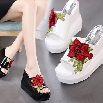 Fashion Womens Embroidery Floral High Wedge Heel Sandals Platform Slippers H473