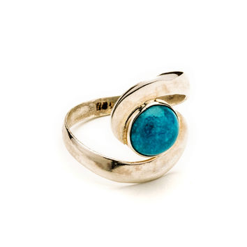 Turquoise and Sterling Silver Ring - Size 6.5