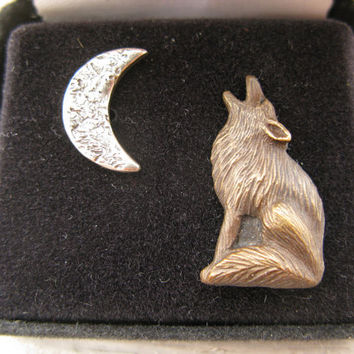 Coyote moon Wolf jewelry brooch  pin tie tack bronze jewelry artifact relief sculpture  silver