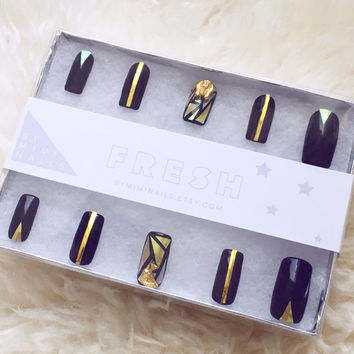 Black and Gold Shattered Glass Egyptian Press On Nails