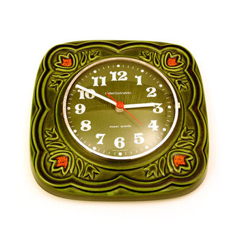 Retro Green earthenware / ceramic wall clock. By United Clock Works, Super Quartz, Germany