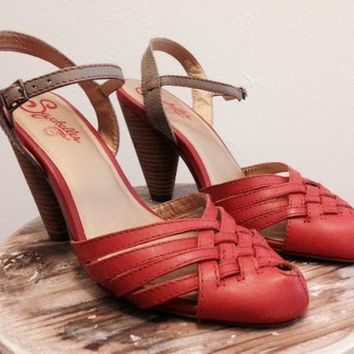 Seychelles two-tone leather sandals, size 7.5