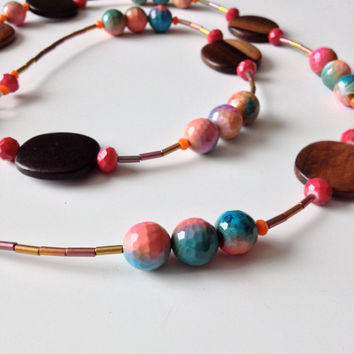 Long Rainbow Agate and Wood Necklace #bohochic #longnecklace #rainbowagates #woodnecklace #summerfashion