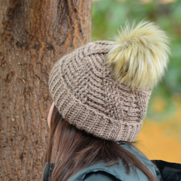 Women pom pom hat, knitted hat women, winter brown hat, gift for woman, warm crochet beanie, pom pom beanie wool, christmas gift women