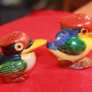 Tropical Birds Mismatch Pair Orange Green Vintage Japan Salt & Pepper Shakers