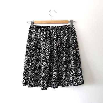 Floral mini skirt / black / white / vintage / reworked / retro / flower print / monochrome / elasticated summer skirt