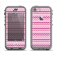 The Subtle Pinks and White Chevron Pattern Apple iPhone 5c LifeProof Nuud Case Skin Set