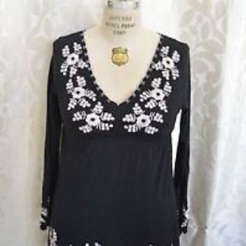 BCBG Maxazria black white Floral Casual Long Sleeve Blouse Women $140+ SZ Large