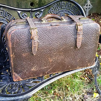 Antique Pullman Style Cowhide Grain Leather Suitcase