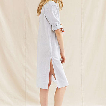Long-Sleeve Button Collared Dress Shirt With Side Slit