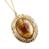 Vintage Gold Tone Wood Pendant Necklace - Retro 1960s Flower Costume Jewelry / Statement Tigers Eye Wood