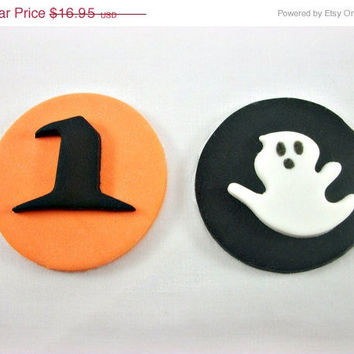 ON SALE- 12 Halloween Cupcake / Cookie Fondant Toppers, Halloween Party Decoration, Witch Hat Ghost Cupcake Toppers, Orange Black Cupcakes