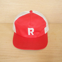 Vintage Red and White Mesh Snapback Trucker Hat Baseball Cap Initital R