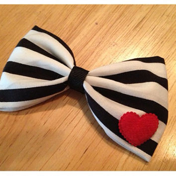 Rockabilly stripe and heart bow