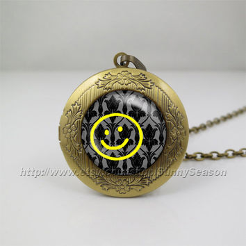 sherlock holmes Necklace, sherlock holmes watson apartment wallpaper Pendant Necklace ,sherlock Bored Smiley Photo locket