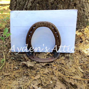 Horseshoe letter holder. Horseshoe napkin holder. Country decor. Vintage horseshoes. Texas horseshoes. Rusty horseshoes. Mail holder.