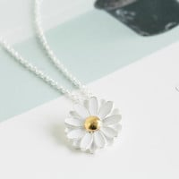 spring daisy necklaces,pretty necklaces,jewelry necklaces,flower pendant necklaces,white necklace,beautiful necklaces,girlfriend necklace