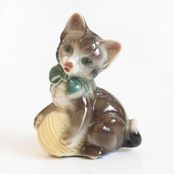 Vintage Royal Copley Kitten Figurine, Mid Century Cat with Yarn Statue, Kitty Kitsch Decor