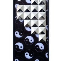 Yin Yang Silver Studded Pyramid iPhone 5/5s Case