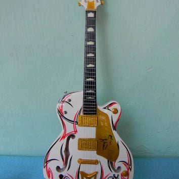 Miniature Guitar Special Gretsch White Falcon Bobby Kool SID Signature
