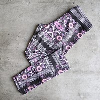 minkpink move - adventure island leggings