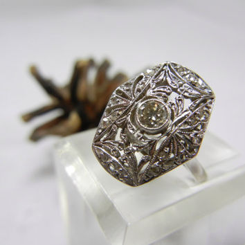 Vintage Diamond Filigree Ring / set in white gold / Engagement ring / Stunning / Unique / Diamond promise ring / Anniversary / intricate