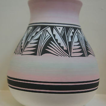 Original Navajo Mesa Verda Indian Pottery Signed by Artist R. Laner Light