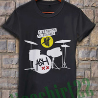 5 second of summer drummer 5sos ash xx ashton irwin t-shirt for women and men size S-XXL