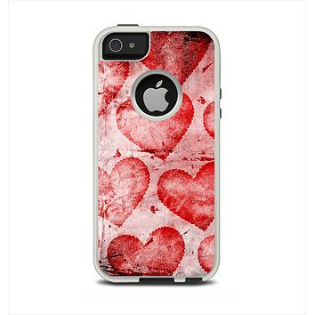 The Grunge Dark & Light Red Hearts Apple iPhone 5-5s Otterbox Commuter Case Skin Set