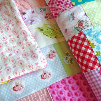 Chenille Baby Quilt -  Toddler Quilt - Patchwork Quilt - Crib Quilt - Baby Shower Gift - Nursery Bedding - Vintage Sheet