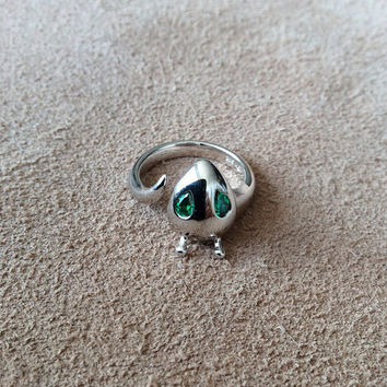 Sterling Silver Alien Ring with Green Stone Eyes, High polished Rhoduim plated sterling silver with modern shape, original design