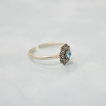 Paisley Toe Ring Silver Blue Cubic Zirconia Flower Design Tribal Indian Boho Chic Stacking Midi Knuckle Statement Pinky Ring Exotic Ring