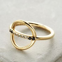 Elizabeth and James Aloba Ring in Gold Size: