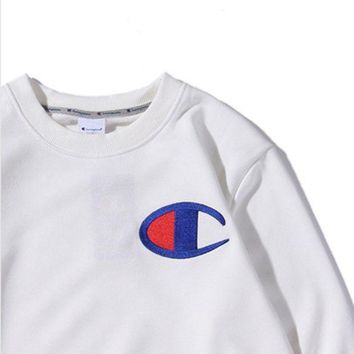 Champion Chest Logo Big Embroidery With The Same Round Collar Hooded Sweater White