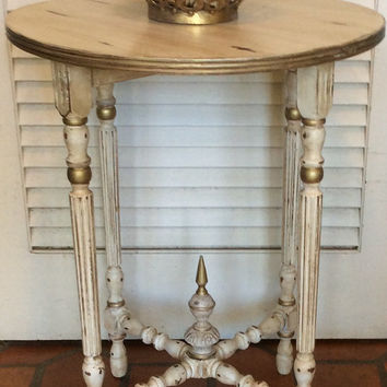 Vintage White Round Table 1940s