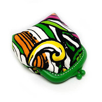 Small Fabric coin purse - Small coin purse -  Green and White - Framed clutch purse - Plastic Frame