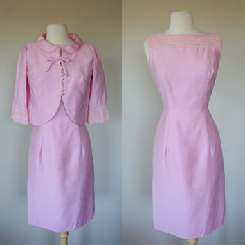 1960's pink cotton dress suit, size 6, medium, wiggle dress, short sleeve, cotton candy pink, matching jacket, mad men, pin up, pastel pin