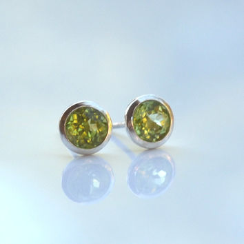 Peridot and Silver Earrings - Gemstone Sterling Silver Stud Earrings - Everyday Wearable Jewelry by Gioielli Designs