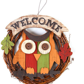 Welcome Owl Wreath with Leaves Case Pack 12