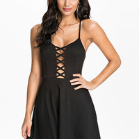 Criss Cross Detail Skater Dress - Club L - Black - Party Dresses - Clothing - Women - Nelly.com