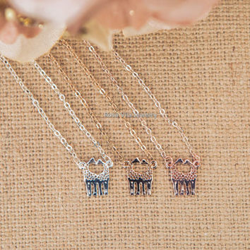 Love Giraffe Necklace - 3 colors available (rose gold, gold and silver) - dainty, cute and delicate jewelry