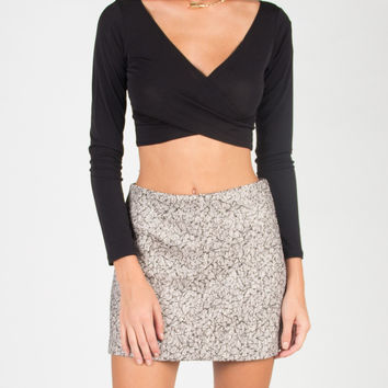 Front Draped Long Sleeve Crop Top - Black - Large