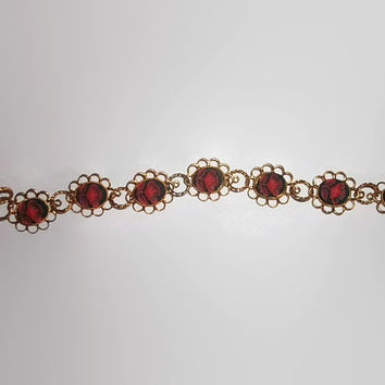 Red and Black Flower Cameo Filigree Gold Tone Delicate Bracelet 7 Inches Valentines Day