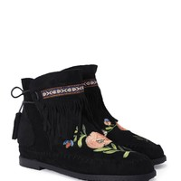 Embroidered Fringe Moccasin Boot | Shop Clothes at Nasty Gal!
