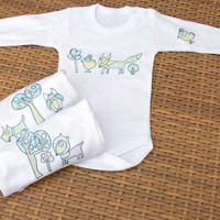 A set of three baby Onesuits, Onesuit with animals for baby boy, Onesuit with animals for baby girl