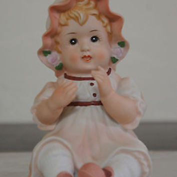 "Vintage Lefton China Hand Painted Porcelain ""Piano Baby with Hat"" No.KW1806"
