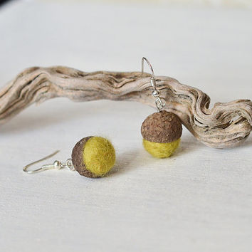 Tiny Felted Acorn Earrings - Woodland Jewelry - Needle Felted Oak Earrings - Autumn Boho Jewelry