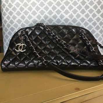 LMFAV0 Auth CHANEL Medium Black Just Mademoiselle Patent Leather Bowling Bag Purse EUC