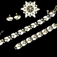 Fleurette In A Paris Graden Rhinestone Necklace Bracelet Brooch Earrings White Rare Book Piece Signed Coro