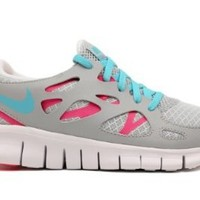 NIKE FREE RUN 2.0 (GS) BIG KIDS 477701-007 (5, METALLIC PLATINUM/TIDE POOL BLUE-PINK FLASH-WHITE)